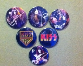 KISS group set pin back buttons
