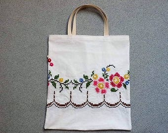 Embroidery ~ shopper, vintage!