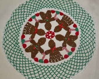 Crochet Christmas Gingerbread Boy Girl WIth Gumdrops Doily Pattern