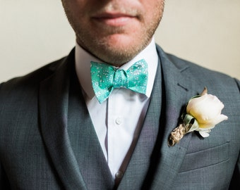 Liberty of London, Floral Print Bow Tie,YOU CHOOSE COLOR,  blue bow tie, aqua, bow tie, custom groomsmen tie, wedding bow tie, freestyle