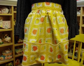 Vintage Fruit print w/ full pocket Half Apron, Vintage Linens