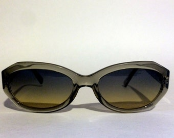 Vintage Anne Klein Sunglasses Mod - 137/16   ***** UsEd *****