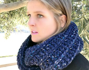 Chunky Knit Scarf Chunky Knit Infinity Scarf Starry Blue Deep Blue Hand Knitted Chunky Scarf / Oversize