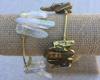 Gold Cluster Wire-Wrapped Bangle Bracelet