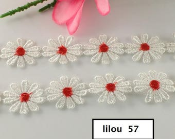 5 flowers Daisy daisies white/red lace 2.5 cm