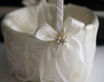 Ivory Flower Girl Basket, Wedding Accessories, Flower Girl Gift, Ivory Wedding Basket Pillow Set, Lace wedding baskets, Favor Baskets