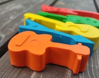 Guitar Crayons Set of 20 - Guitar Music Crayons - Guitar Party Favors - Music Party Favors - Guitar Birthday - Guitar Favors - Music Crayons