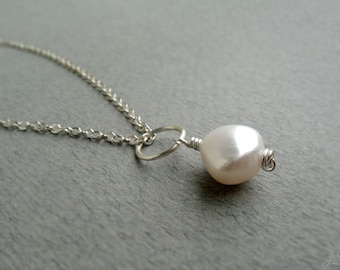 AA-grade Freshwater Pearl Silver Necklace, Minimalist Ivory White Pearl Necklace, June Birthstone Gift, Wedding Jewelry, Third Eye Chakra