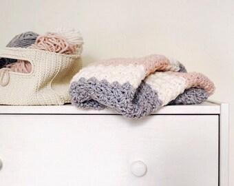 Crochet baby blanket, babyshower gift, gift for newborn, gift for mom