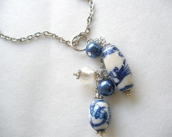 The Crane Porcelain and Pearls Cluster Necklace