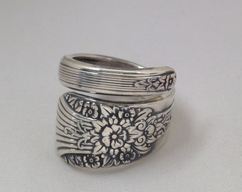 Spoon Ring Silver Mist aka Marigold 1935 Wrap Around Size 5 to 15 Choose Your Size Vintage Silveplate