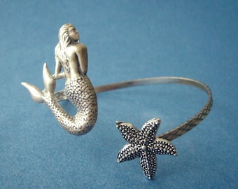 mermaid bracelet with a seashell. wrap mermaid jewelery, animal bracelet, charm bracelet, bangle