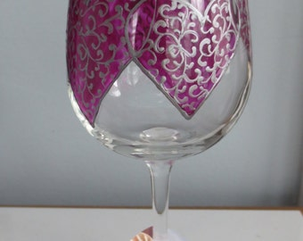 Valentine's Day Hearts Hand Painted Wine Glass 10 ounce size