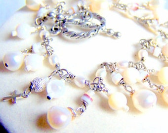 White pearl chain bracelet. Beach wedding. Handmade wire wrapped chain
