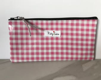 Long Oilcloth pouch / Zipper pouch / Pencil pouch / Oilcloth bag / Makeup brush pouch / Pink gingham