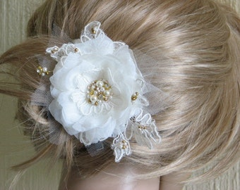 Ivory hair flower Ivory hair clip Wedding ivory flower Ivory gold hair flower Gold ivory wedding flower Ivory wedding headpiece Hair flower