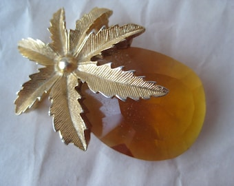 Shabby Pineapple Amber Glass Gold Brooch Vintage Pin Sarah Coventry