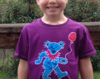 Dancing bear batik kids t shirt, Grateful Dead batik, Grateful Dead kids clothes, jerry bear batik, batik shirt, dancing bear kids shirt