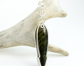 Wire Wrapped Pendant - Serpentine Necklace - Argentium Sterling Silver - Wire Wrap Serpentine - Green Serpentine Pendant Necklace