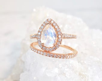 Moonstone Engagement Ring, Moonstone Halo Ring, Diamond Moonstone Ring, Moonstone Wedding Set, Pear Moonstone Ring, Rainbow Moonstone
