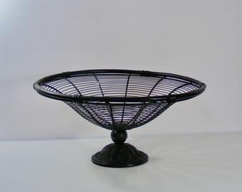 Wire Pedestal Basket