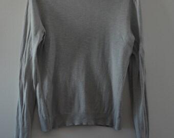 Sale $ 10!  Fitted pull Gap 90's Beige/grey Medium