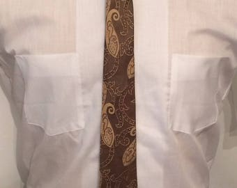 Vintage MENS Arrow brown & tan paisley silk skinny tie, circa 50s-60s