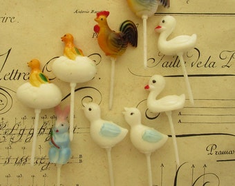 9 Vintage Plastic Easter Food Picks Cake Decorations Cupcakes Roosters Chicks Old Store Stock Mix E