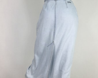 80s jean skirt/1980s light washed jean skirt