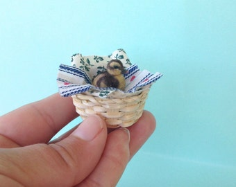 Miniature Duckling, Dollhouse Duckling,  Handmade Duckling,  Clay Duckling, Mini Duckling, Miniature Animal , 1 12 scale duckling