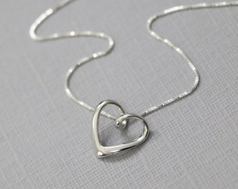Sterling Silver Heart Necklace, Gift for Her, Gift for Wife, Gift for Mom, Silver Heart Necklace, Bridesmaid Necklace, Everyday Necklace