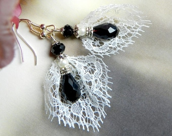 Earrings, delicate and romantic, lace of Calais and Crystal, black and white