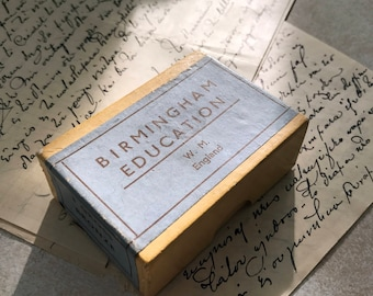 A box of as new vintage Birmingham nibs for calligraphy or sketching. Original box with 100 nibs.