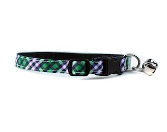 3/8 large collier pour chat ou petit chiot dans les étoiles en bleu marine et vert à carreaux