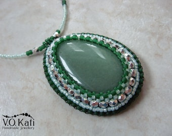 Bead embroidered pendant with aventurine gemstone