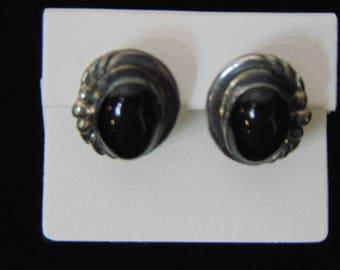 Pr Womens Vintage Estate Sterling Silver Earrings W/ Onyx Stones 8.9g E3222