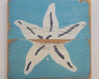 Beach Art, Starfish on Reclaimed Picket Fencing Wood