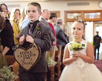 BURALP WEDDING, Here comes the Bride Wedding Sign, Distressed Brown Here Comes the BRIDE Wedding Hanging Sign, Flower Girl Sign, Burlap Sign