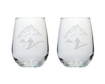 Skier Stemless Wine Glasses /Set of 2 / Mr and Mrs / Free Personalization / Skiing 17 oz Wine Glass / Personalized Glass / Personalized Gift