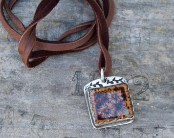Burnt Wood Under Resin . Flowers Sterling Silver. Necklace . Leather . Hand Stamped