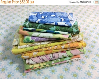 SUMMER SALE Vintage Flower Power Fabric Scrap Pack Bundle Bedsheets Wabasso Floral Small Scraps for Sewing Quilting Supplies