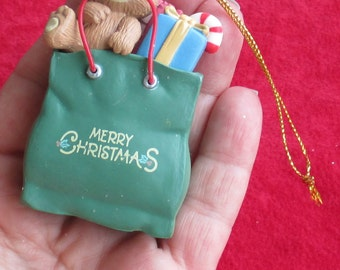 Retro 1992 Lustre Fame  Teddy Bear Christmas Packages Ornament