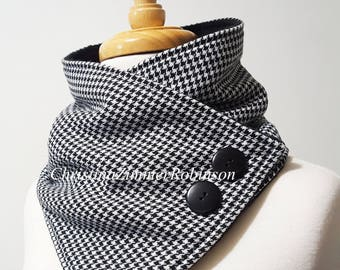 Black and White Houndstooth Neck Warmer Snap Scarf, Fleece Lined, Black Buttons, Scarves, Neckwarmer, Neck Wrap, Collar, Unique