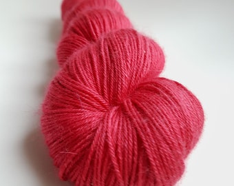 Skein Alpaca / cashmere / silk - Fingering - hand - dyed colors OffRed
