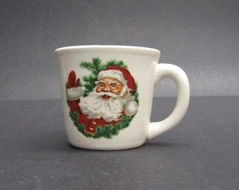 Vintage USA Pottery Santa Claus Face Coffee Mug (E9922)