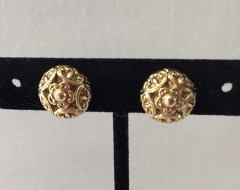 Cabochon clip on earrings