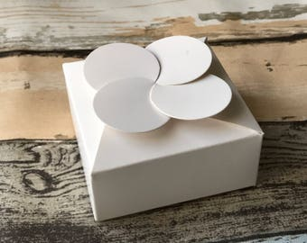 40x White Paper Boxes | Bomboniere Favour Box | Birthday Anniversary Wedding & Party Christmas Baptism Gift Boxes for Chocolate Candy Cake