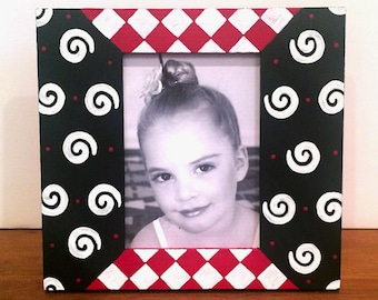 3x5 Picture Frame Hand Painted in Black White and Red , Nursery Decor , Kids Bedrooms , Shower Favors, Wedding Favors , Teen Bedroom Decor