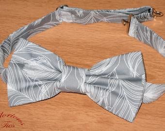 Grey Men's Pre-tied Wedding Bow Tie. Grey & White Feathers Bowtie. Boys bow tie, Kids Dusty Grey Wedding Bow tie, Ring Bearer Bow Tie.