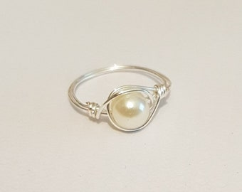 Silver Wire ring with an Ivory Bead